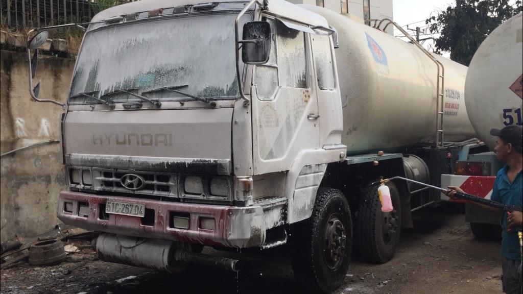 Dịch vụ rửa xe tải - Thay nhớt - Bơm mỡ -  -  - 1