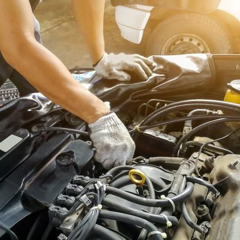 Nên chọn gara sửa chữa xe ngoài hay vào gara chính hãng?