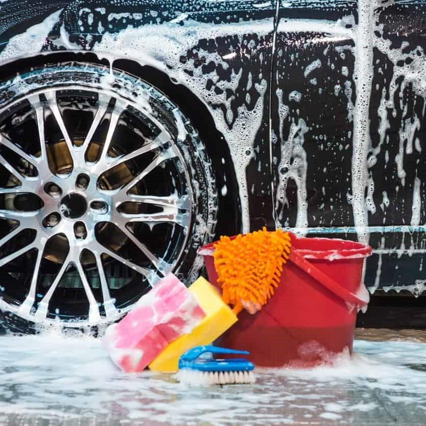 Cẩn thận một số sai lầm tai hại khi rửa tải xe tại nhà