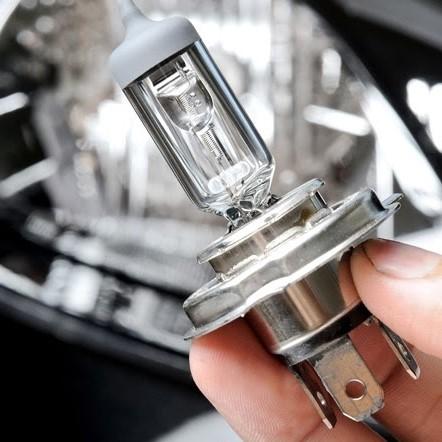 Hướng dẫn cách thay đèn pha xe tải đúng cách