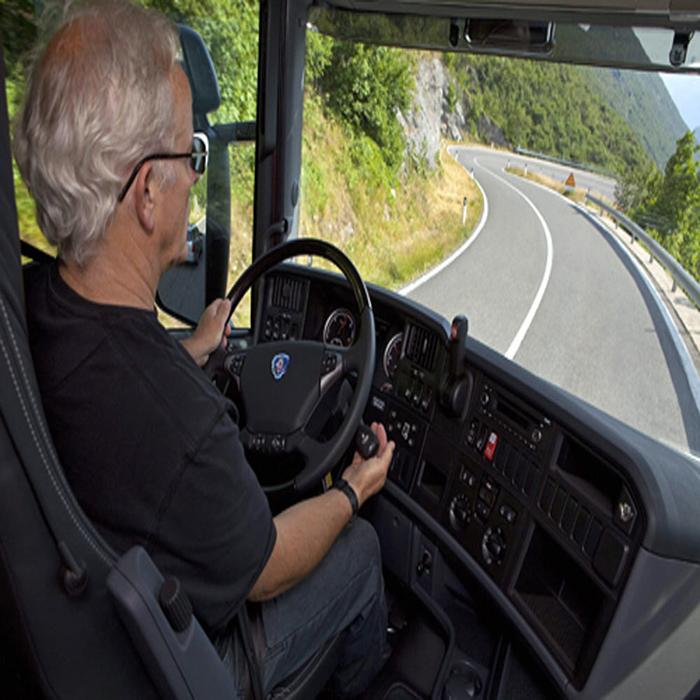 4 Kỹ thuật phanh xe tải đúng cách tài xế nên biết