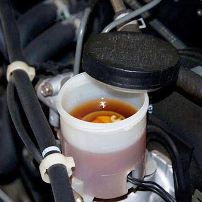 Chức năng quan trọng của bình nước phụ trên xe tải